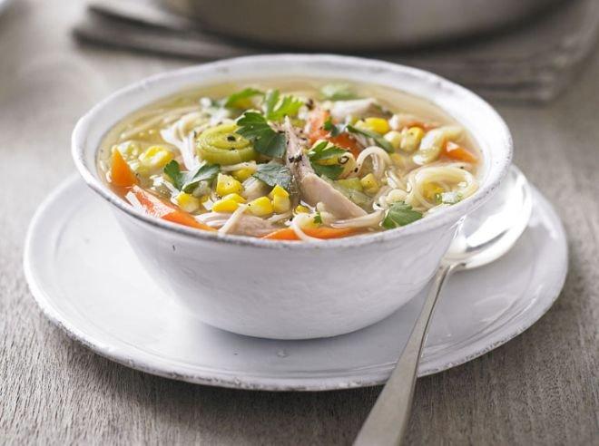 Пилешка супа с грах