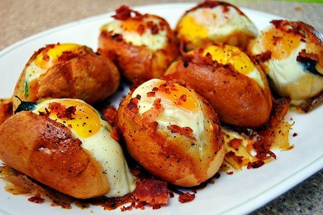Вкусни Яйца в хлебче