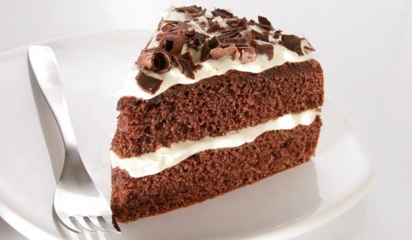 Рецепта за Шоколадова торта с бял крем