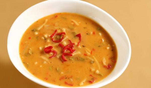 Доматена супа с кисело зеле и свинско месо