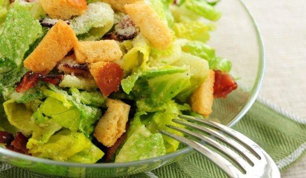Вкусна рецепта за Салата Цезар със сос