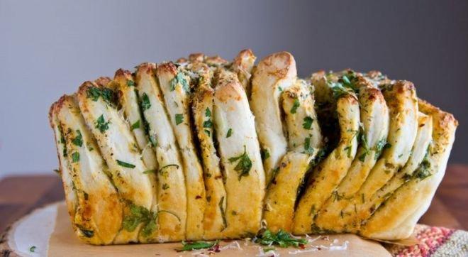 хляб с масло и чесън