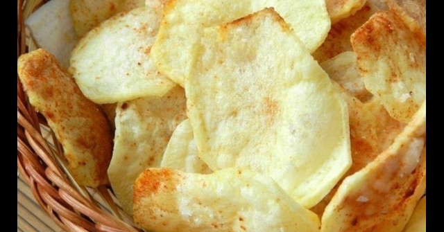 Перфектният домашен чипс се прави за 3 минути без капка мазнина! Хрупкав, диетичен и можеш да ядеш до насита: