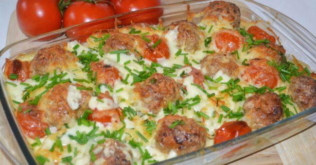 Няколко тиквички, малко картофки и вечерята е готова !