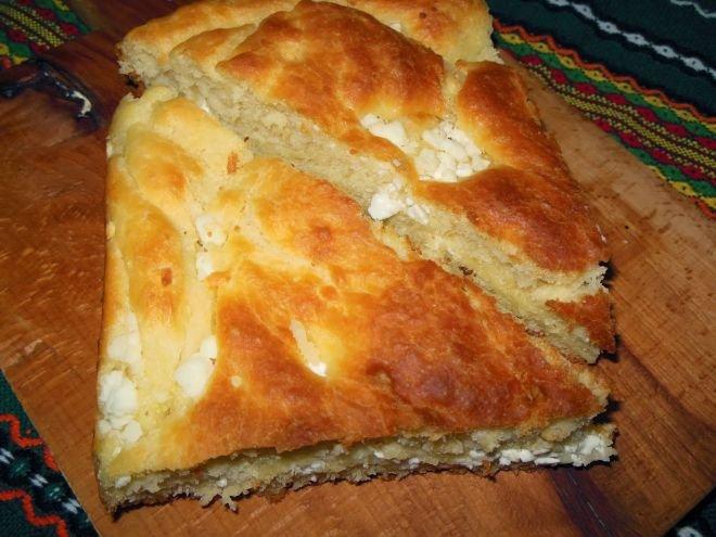 Бърза и лесна рецепта за тутманик със сирене и кашкавал
