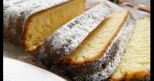 Нереално вкусен Ангелски кекс – копринено мек и не е сух като другите! Слагайте кафенцето и да започваме:
