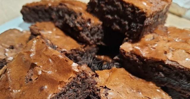 Шоколадово брауни само с лъжица брашно, е как да не се изкушиш