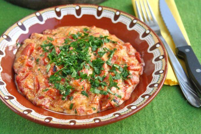 Вкусна вечеря: Бързи печени чушки по панагюрски РЕЦЕПТА