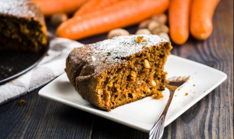 Вкусна рецепта за Коледен кекс с моркови и ябълки
