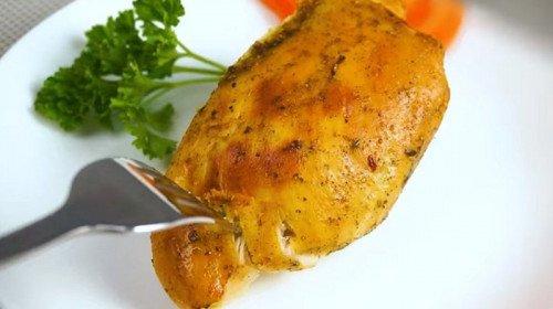 Пилешки гърди във фолио – пръстите да си оближеш!