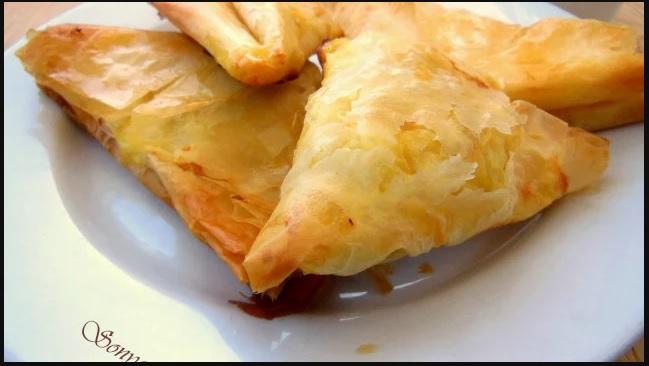 РЕЦЕПТА за Най-вкусната закуска: Триъгълни банички на тиган