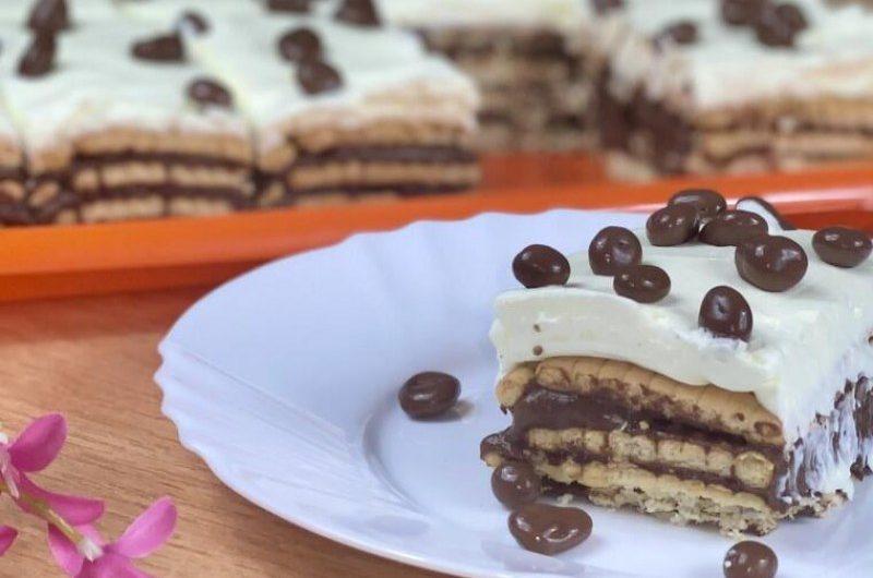 Бърза и много вкусна бисквитена торта