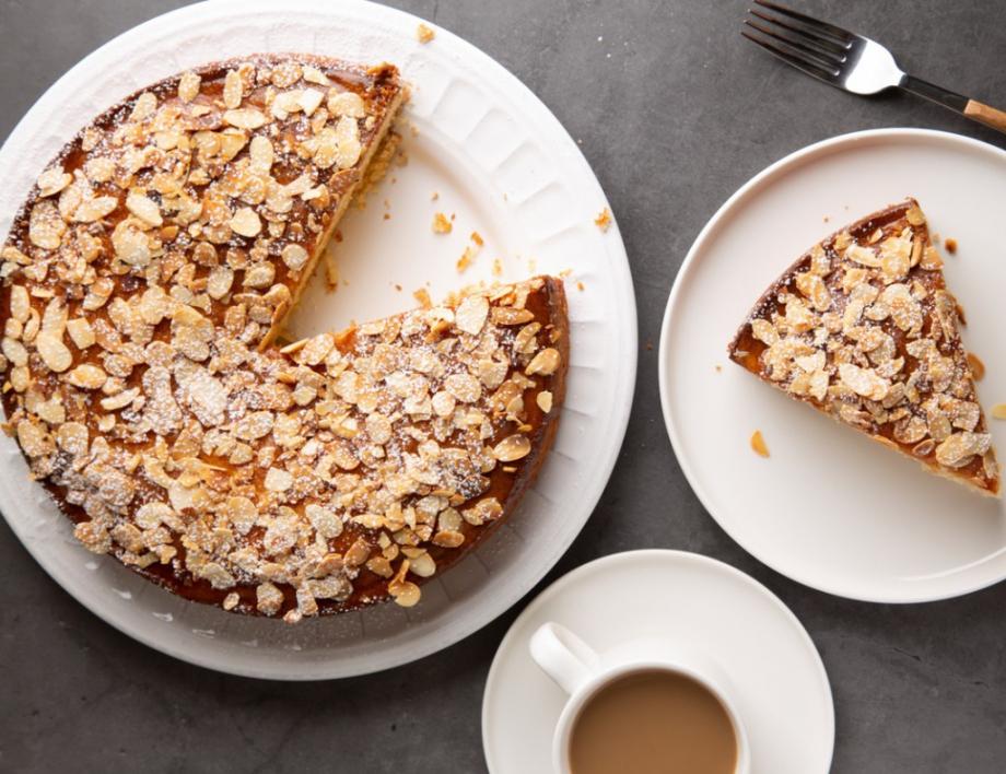италианска бисквитена торта